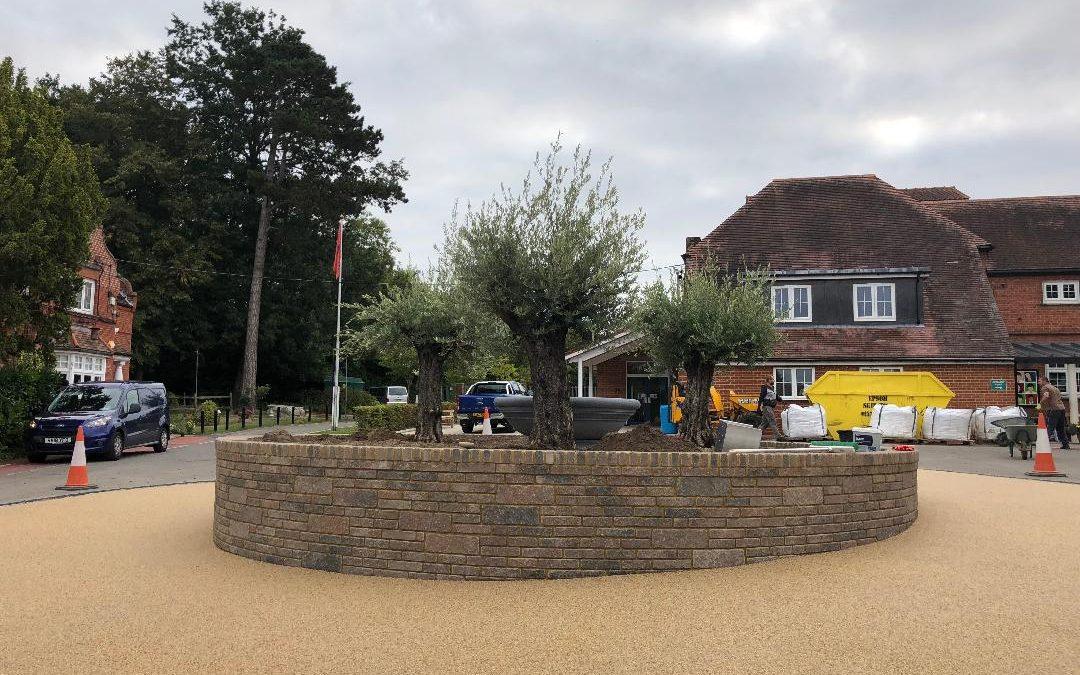 Resin Bound Roundabout Project Oxshott, Surrey